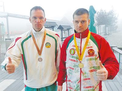 Андрей Цыков (слева) со своим тренером Игорем Сигневичем - двукратным чемпионом мира