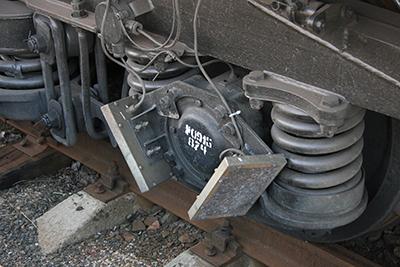 Такое оборудование вагона-лаборатории телемеханики, автоматики и связи проверяет, как среагируют на определенном участке на нагревание букс напольные устройства