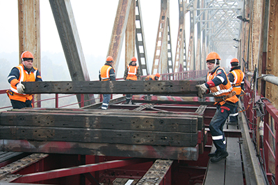 Подготовка к монтажу безбалластного мостового полотна