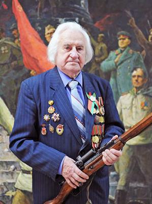 Ветеран в Гомельском областном музее военной славы