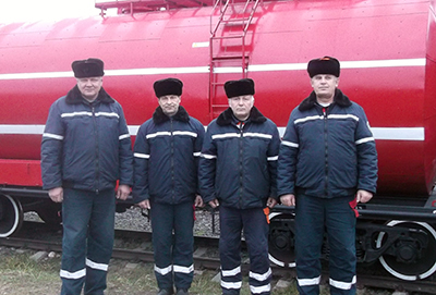 Начальник караула Николай Тарасюк, спасатели-пожарные Юрий Смыкалов, Анатолий Киселев и Михаил Чопик