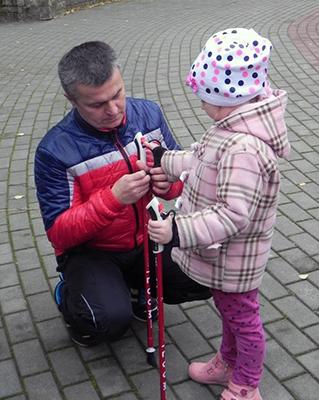 Скандинавская ходьба доступна и взрослым, и детям