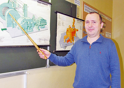 Машинист крана восстановительного поезда Калинковичи Александр Данилович