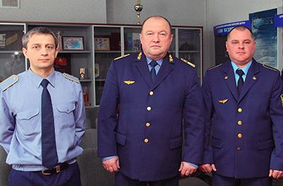 Сергей Горулев (в центре) с призерами конкурса Андреем Босым (слева) и Игорем Белым (справа)