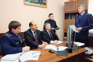 Мостовой мастер Осиповичской дистанции пути Виталий Войтышен отвечает на вопросы конкурсной комиссии