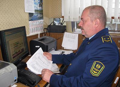 Старший мастер участка по ремонту оборудования пассажирских вагонов Валерий Жуков - один из лучших рационализаторов