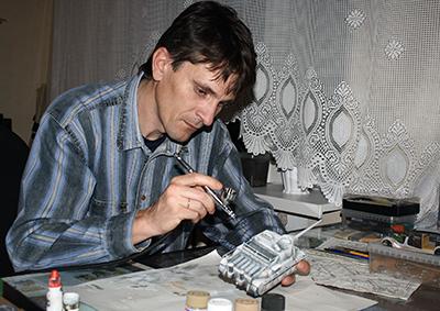 Игорь Сорока, процесс сборки модели танка