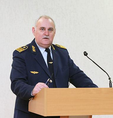 Начальник пассажирской службы Александр Захаревич