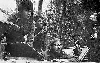 Фидель Кастро с танкистами в заливе Свиней