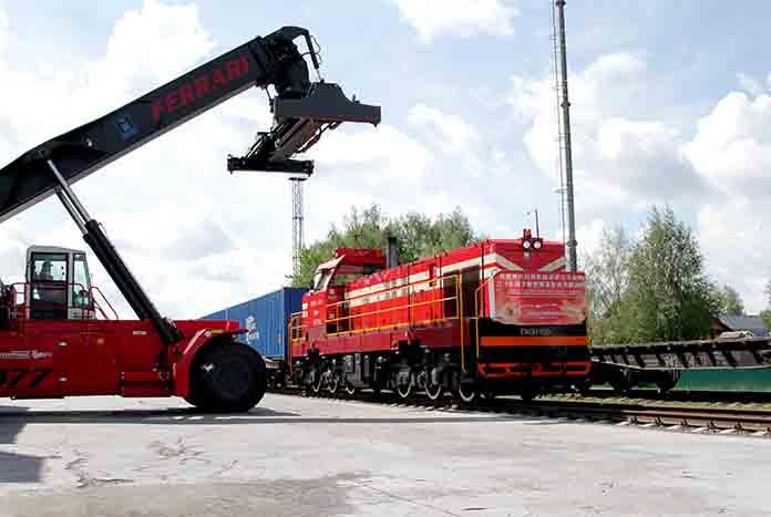 2016.05.16. ст.Колядичи. поезд Хэбэй-Минск_4026 net