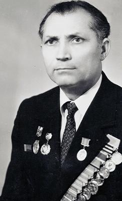 Владимир Тимофеевич Царев четверть века трудился на магистрали