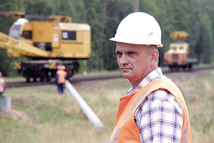 Главный инженер Энергомонтажного поезда Юрий Агеявич