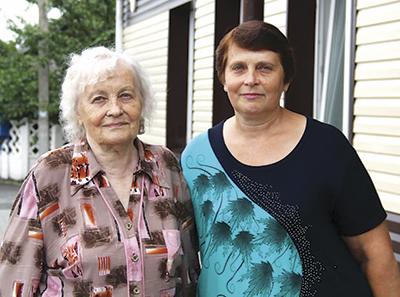 Тамара Власенкео с дочерью Натальей