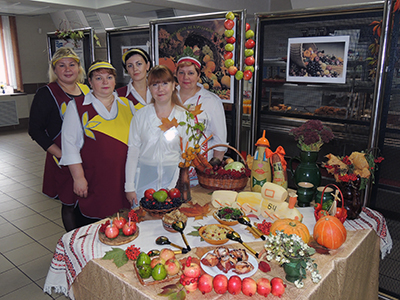 Таким изобилием национальных блюд коллектив столовой радует посетителей в день белорусской кухни