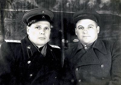 В. И. Луцик (слева) в послевоенные годы