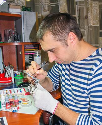 В своей квартире Андрей Анкуда оборудовал настоящую мастерскую