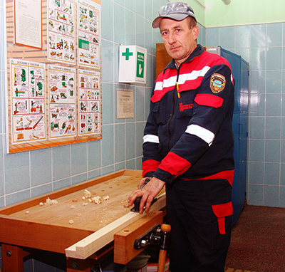 Рабочий по комплексному обслуживанию зданий и сооружений Александр Яковинич